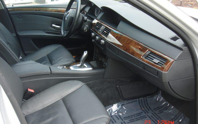2009 BMW 528XI AWD V6 058