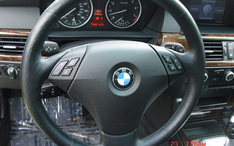 2009 BMW 528XI AWD V6 065