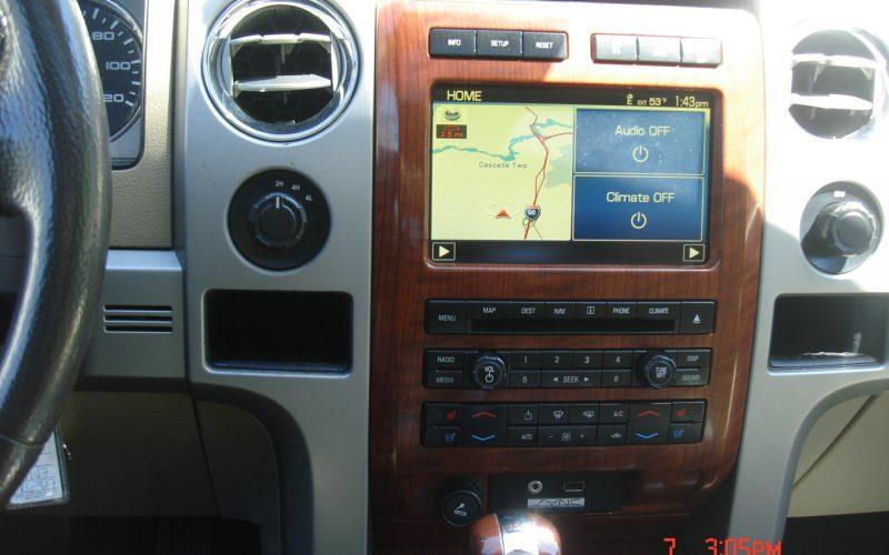 2010 FORD F150 LARIAT 013
