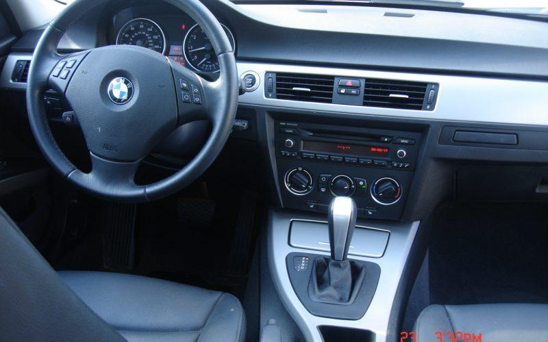 2007 BMW 323I V6 012