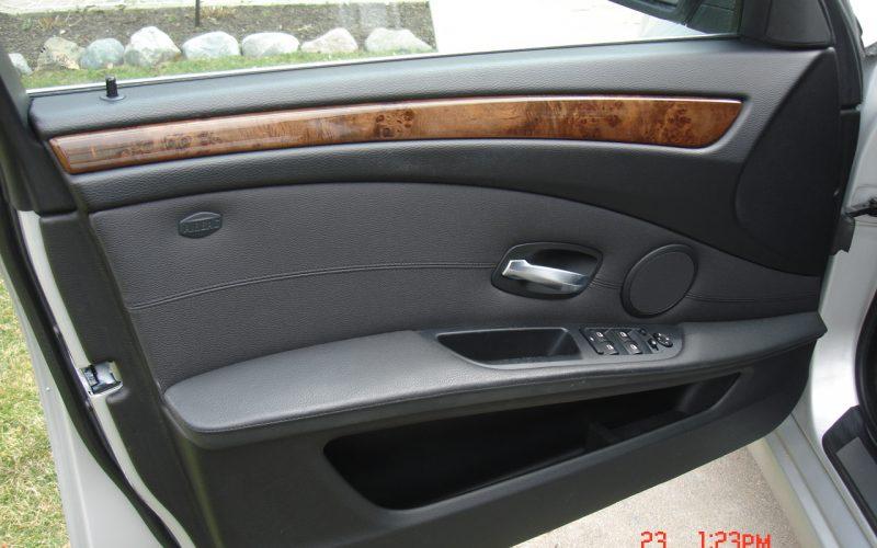 2009 BMW 528XI AWD V6 054