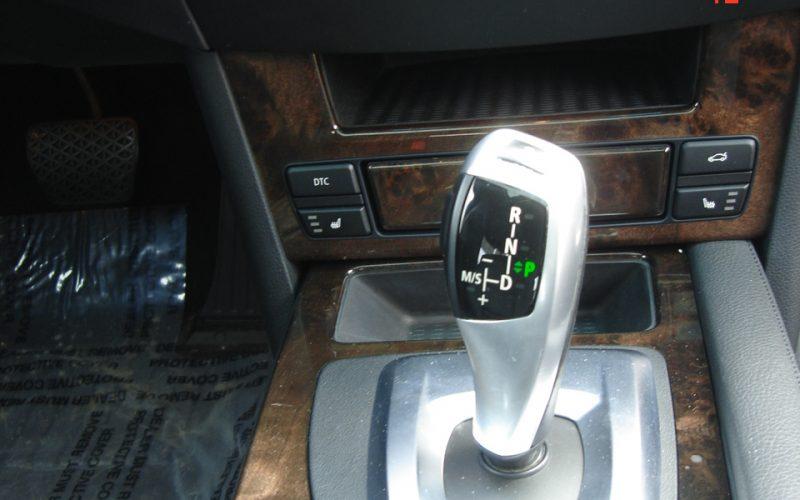 2009 BMW 528XI AWD V6 060