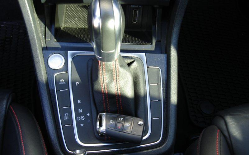 2015 VOLKSWAGEN GTI AUTOBAN 051